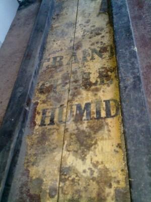 Restauration malle en bois 06082012248-e1344357036291