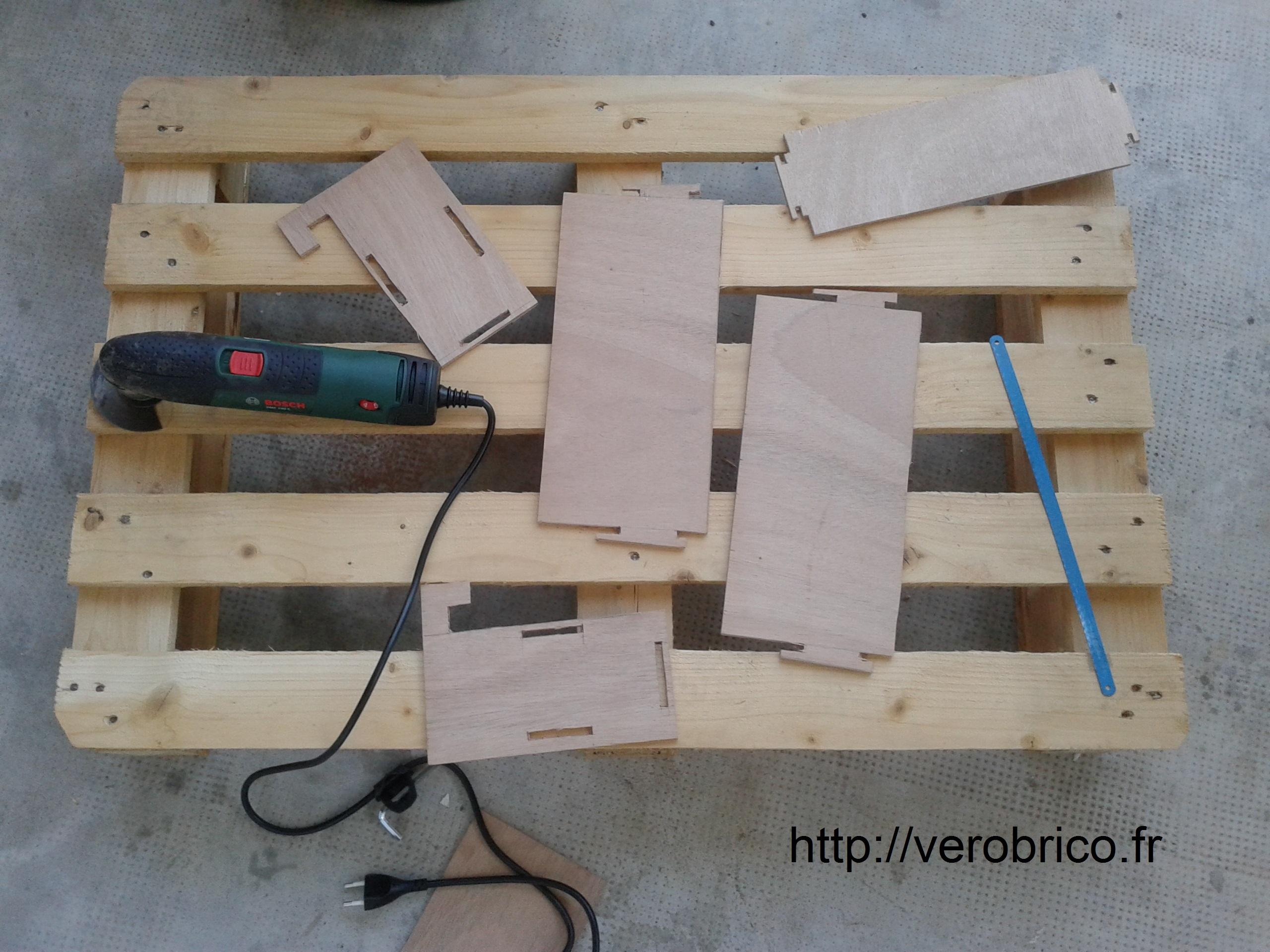 Porte revues fa on puzzle le coin bricolage de v robrico for Revue bricolage maison